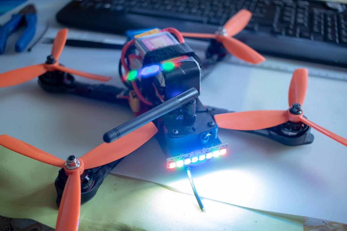 Подсветка квадрокоптера LED в INAV